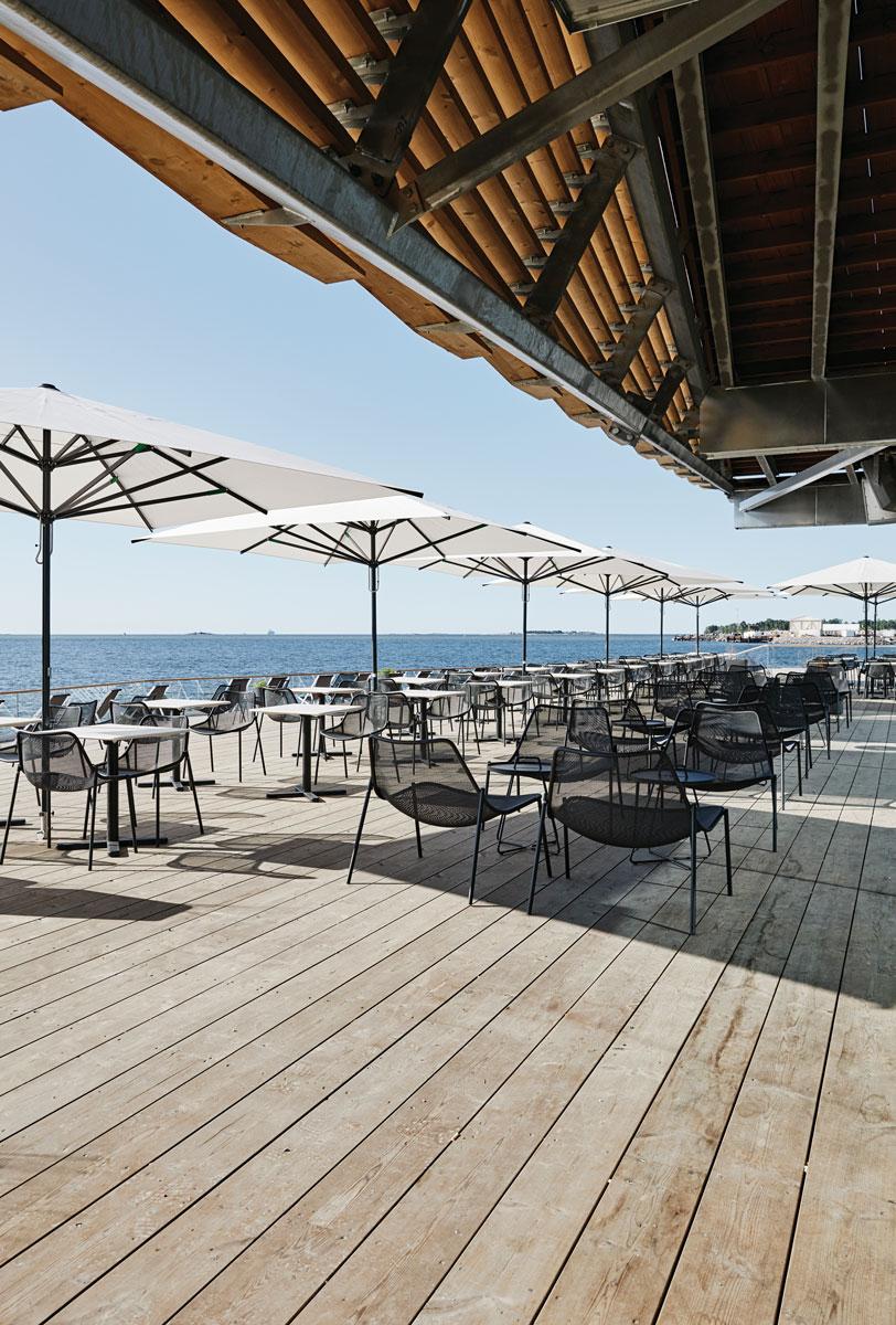 擁有室外休息區域供客 人享受陽光與自然