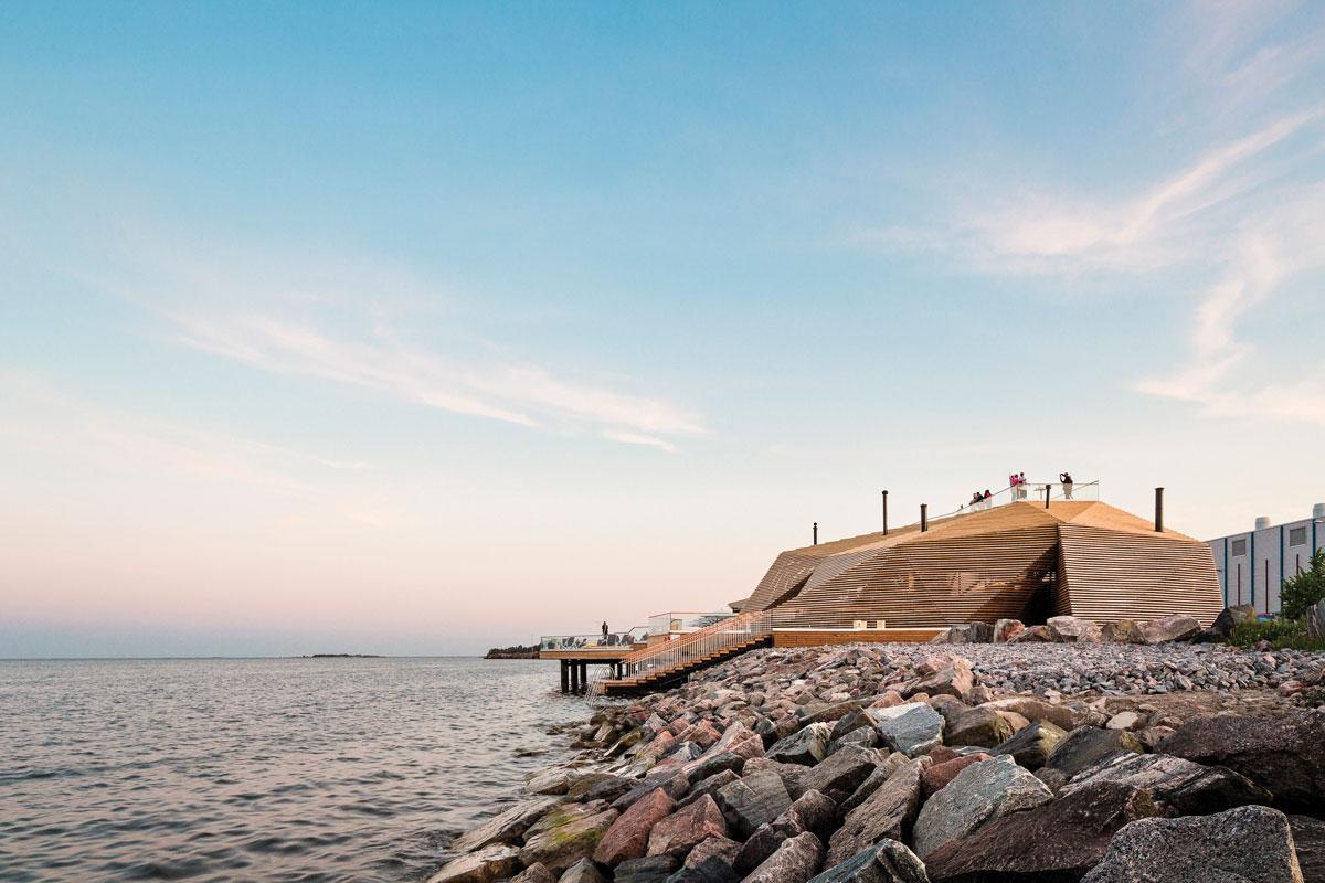 芬蘭赫爾辛基海邊的公共桑拿房外觀