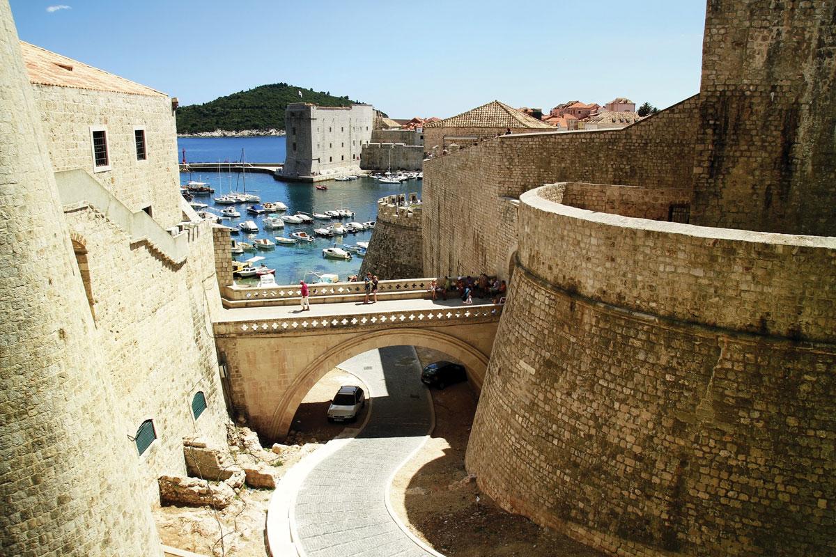 Montenegro_Bond-movie_Bay-of-Kotor_01