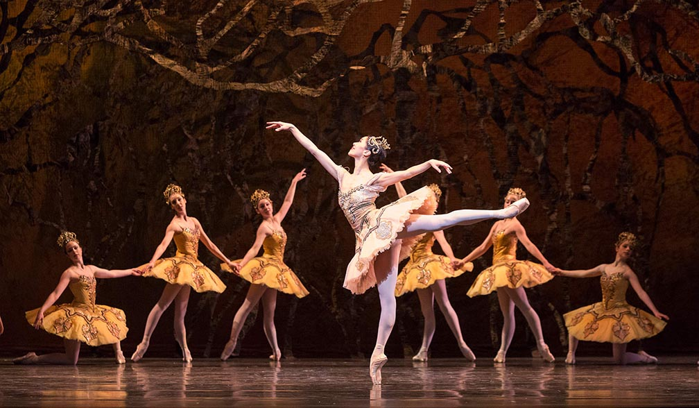 Xiao Nan Yu with A rtists of the Ballet in The Sleeping Beauty . P h oto by Aleksandar Antonijevic