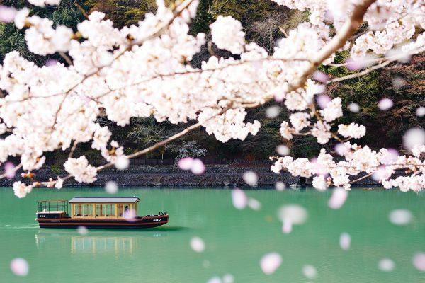HOSHINOYA-Kyoto-Boat-Check-in-1