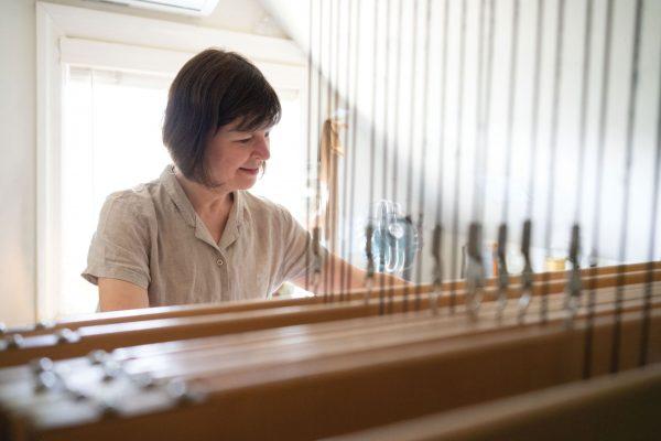hand weaving Deborah Livingston-Lowe